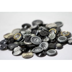 Buttons in bulk - 150gr - gray-black tones