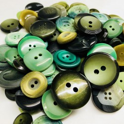 Buttons in bulk - 150gr - green tones