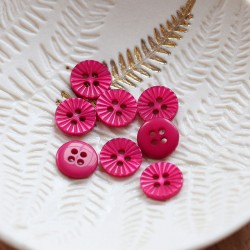 Lise Tailor - Daisy button