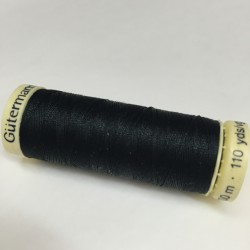 Gütermann sewing thread black (000)